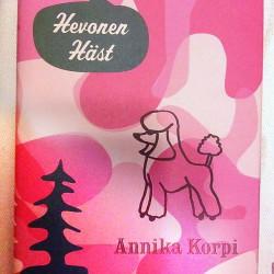 Läser vi i höst: Hevonen Häst av Annika Korpi